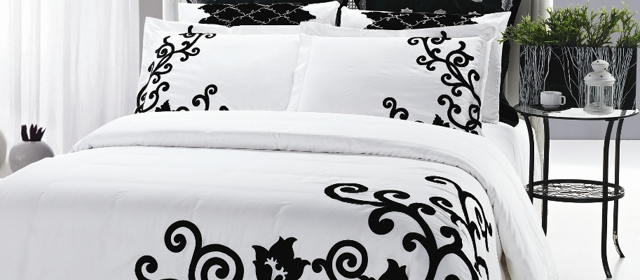 набор постельного белья для молодоженов